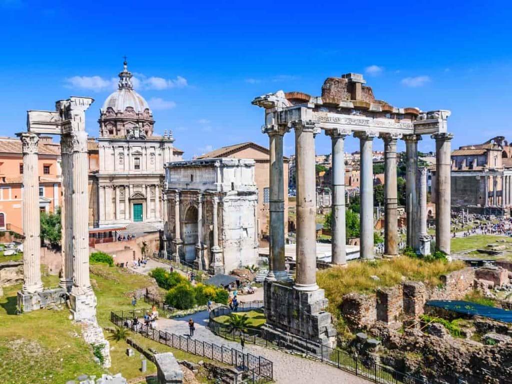 المنتدي الروماني روما